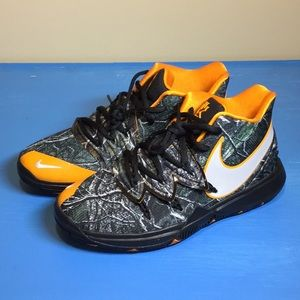 Nike Kyrie 5 Taco GS Camo Orange Kids Size 5.5Y